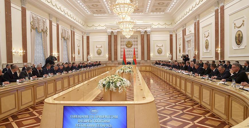 Александр Лукашенко: внешнеполитическая стратегия Беларуси нуждается в корректировке
