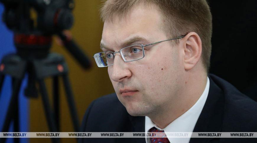 Сергей Клишевич: основная форма социальной поддержки в условиях COVID-19 — возможность продолжать работать