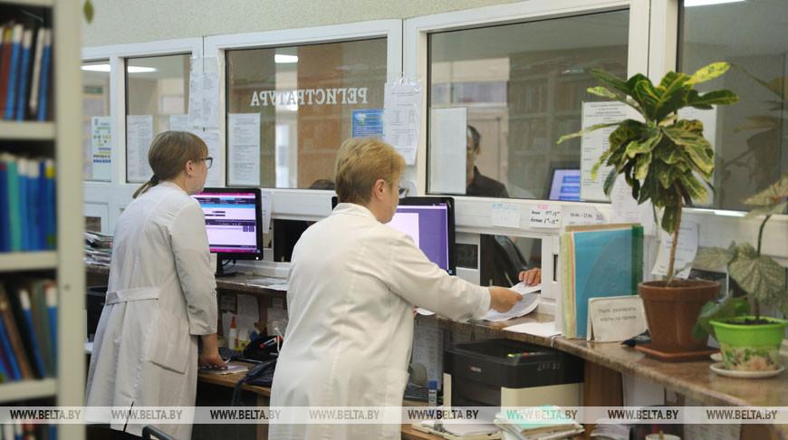 Минздрав утвердил график работы больниц и поликлиник на январские праздники