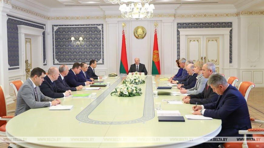 """""""Не нужно цепляться к людям по мелочам"""" - Александр Лукашенко об изменении административного законодательства"""