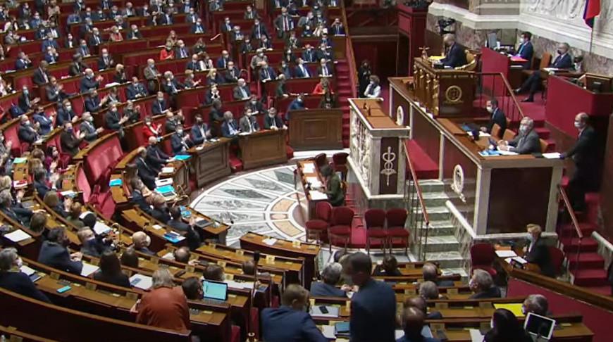До 5 лет тюрьмы и до 75 000 евро штрафа. О чем закон об «Укреплении республиканских принципов» и зачем он Франции?
