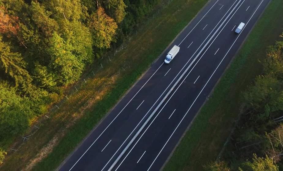 Сеть автодорог, количество городского транспорта и личных машин. Обзор Гродненской области ко Дню автомобилиста и дорожника