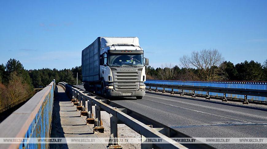 Беларусь вводит временное лицензирование экспорта картона за пределы таможенной территории ЕАЭС
