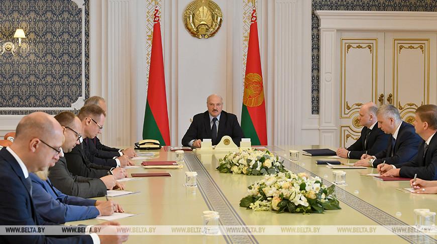 Александр Лукашенко: текущие трудности решим, но с 2021 года надо прирастать среднемировыми темпами
