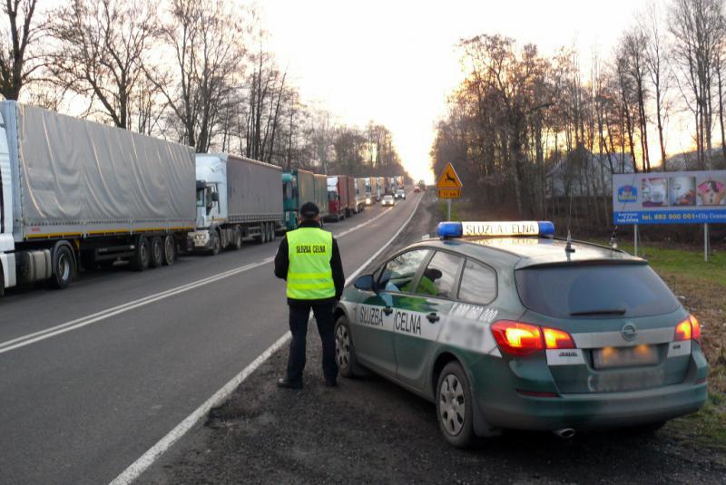 31 октября и 1 ноября в пунктах пропуска на белорусско-польской границе ограничат движение для большегрузного транспорта