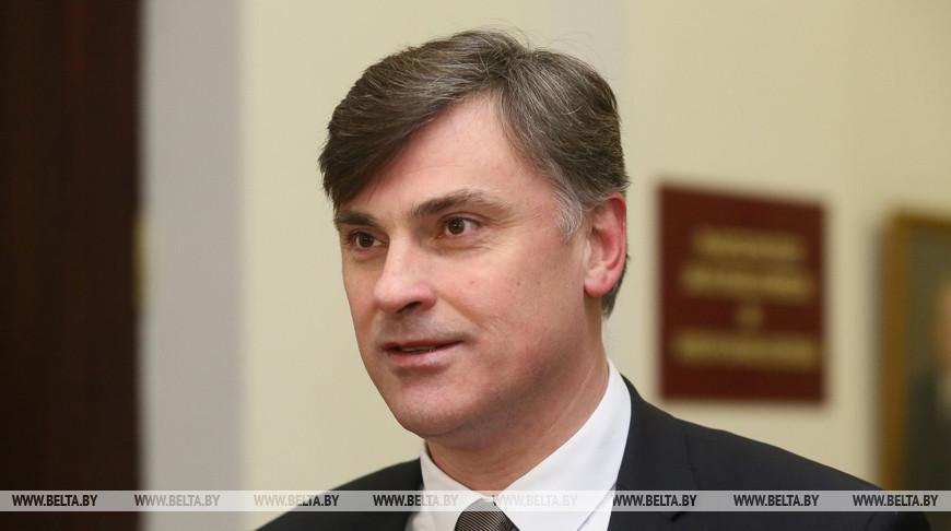 Павел Легкий: на фоне вала фейков традиционные СМИ имеют отличный шанс укрепить свой авторитет