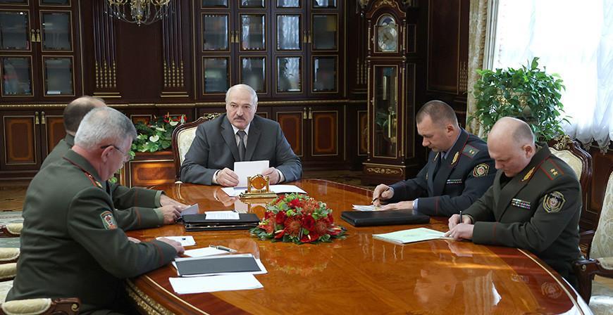 Александр Лукашенко назвал ситуацию с мигрантами на границе гуманитарной катастрофой