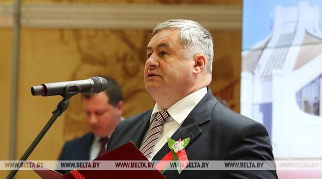 CМИ Беларуси обеспечивают национальное информпространство и защищают интересы общества — Александр Карлюкевич