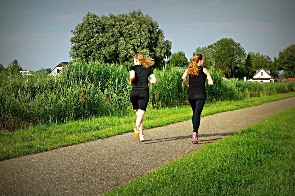 jogging-1509003_1920.jpg