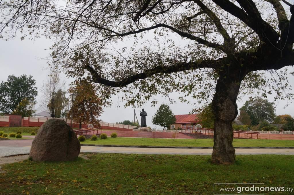 новогрудок_замковая гора (2).JPG