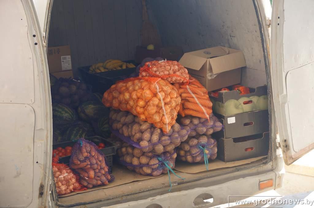 DSC03380_отгрузка овощной продукции со склада.JPG