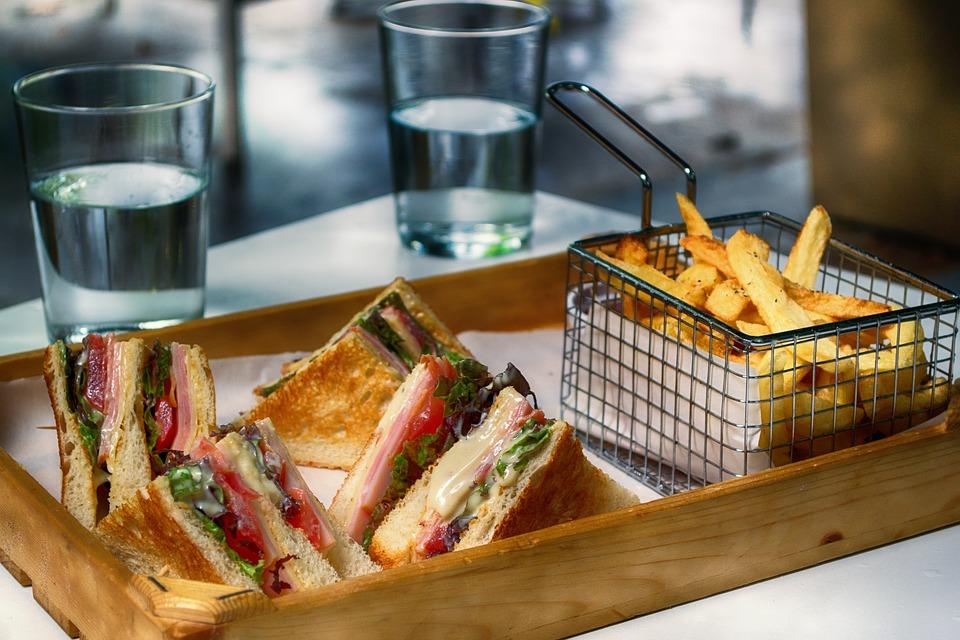 club-sandwich-3538455_960_720.jpg