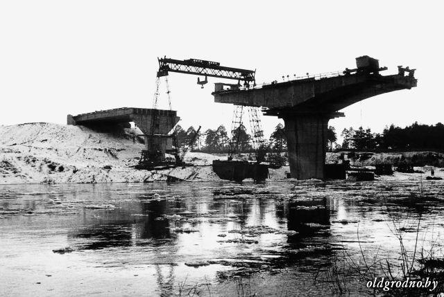 stroitelstvo_novogo_mosta_nach_70_h_gg_001.jpg