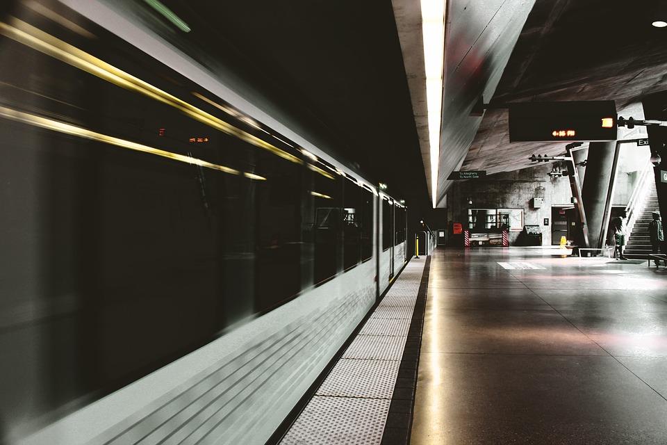 blur-1853234_960_720.jpg
