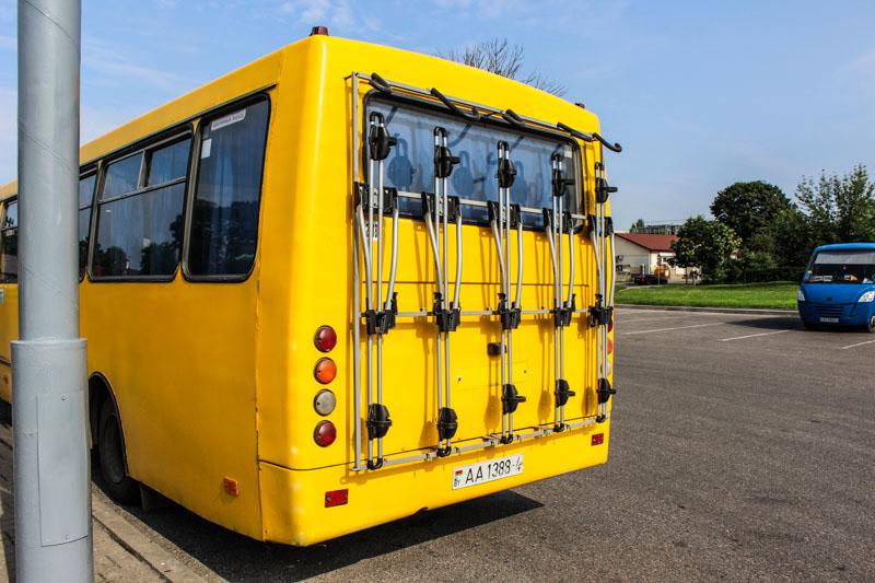 На Августовский канал начал курсировать автобус с креплениями для ...
