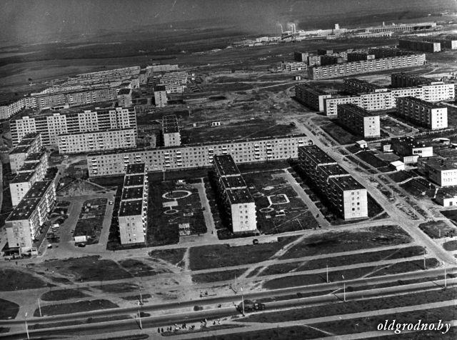 novye_doma_po_ul_dombrovskogo_blk_i_vrublevskogo_1975_god.jpg