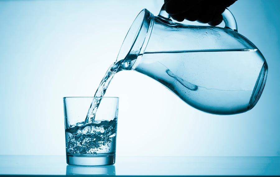 mineralnaya-ili-pitievaya-voda.jpg