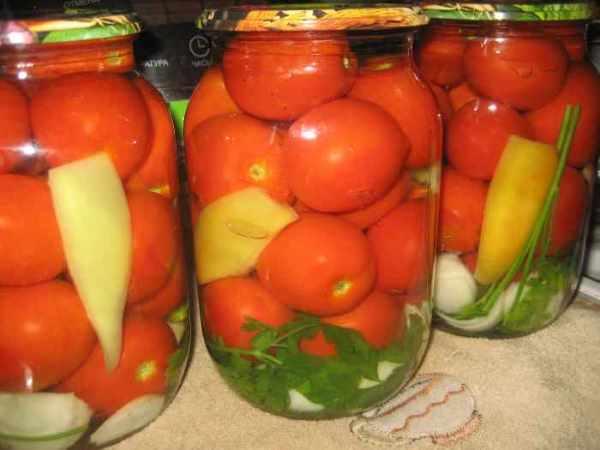 1499874984_konservirovannye-pomidory-s-bolgarskim-percem-petrushkoj-i-lukom.jpg