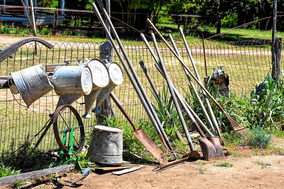 garden-tools-4020788_960_720.jpg