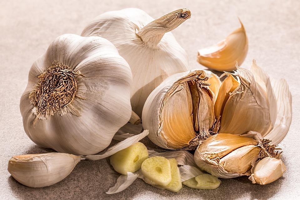 garlic-3419544_960_720.jpg