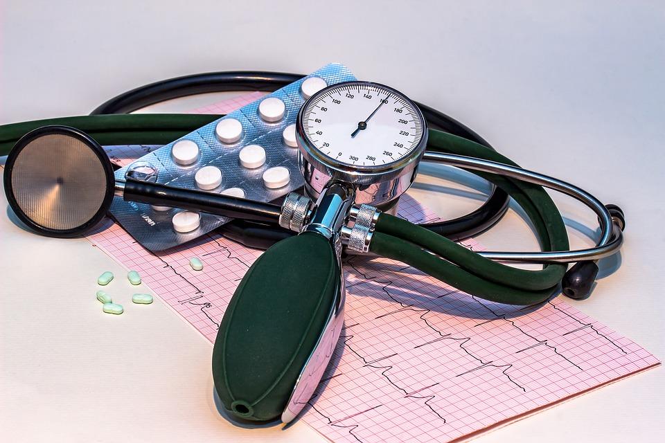 blood-pressure-monitor-1952924_960_720.jpg