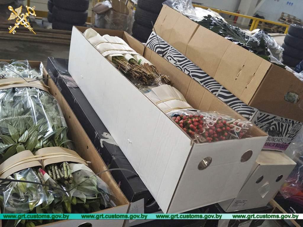 Гродненские таможенники с начала июля пресекли 20 попыток незаконного ввоза цветов из Литвы