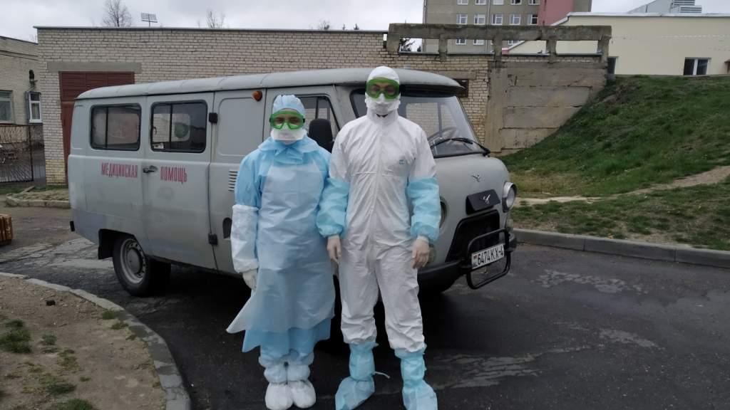 Врачебно-сестринская бригада по обслуживанию пациентов с инфекцией COVID-19 на дому..jpg