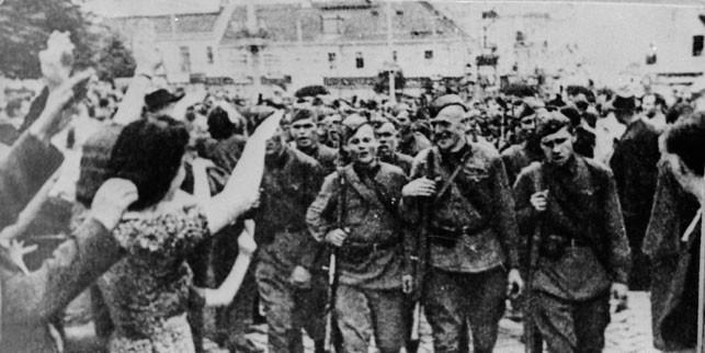 Встреча Красной Армии на Гродненщине. 1939 год.jpg