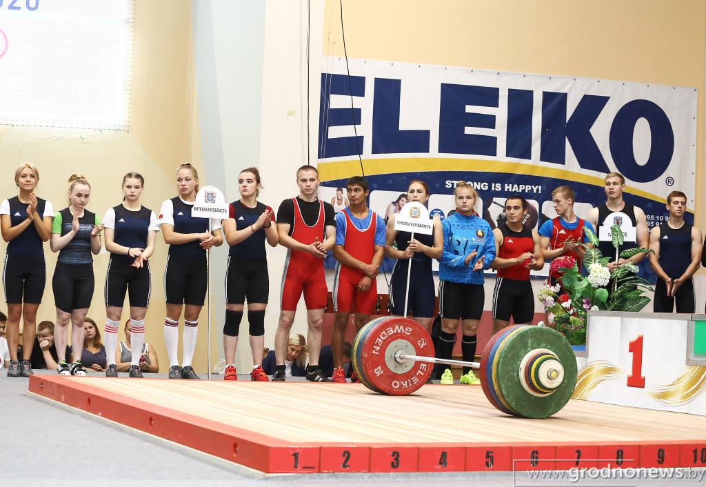 В Гродно проходит чемпионат Республики Беларусь по тяжелой атлетике