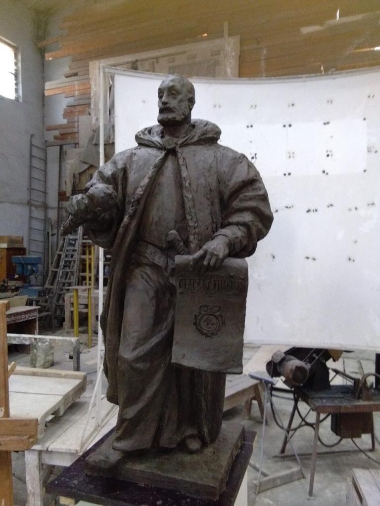 памятник Льву Сапеге 1.JPG
