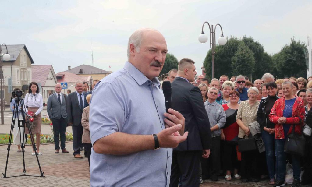 «Второй раз за неделю попадаю в рай» — чем Лукашенко удивило Ивье и его жители