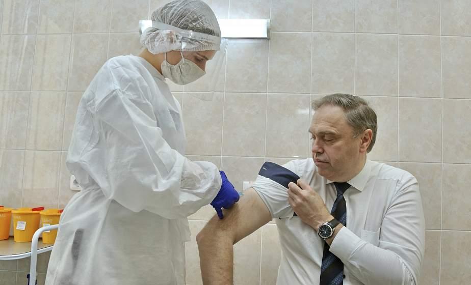 Председатель облисполкома Владимир Караник дал официальный старт кампании по вакцинации против гриппа на Гродненщине