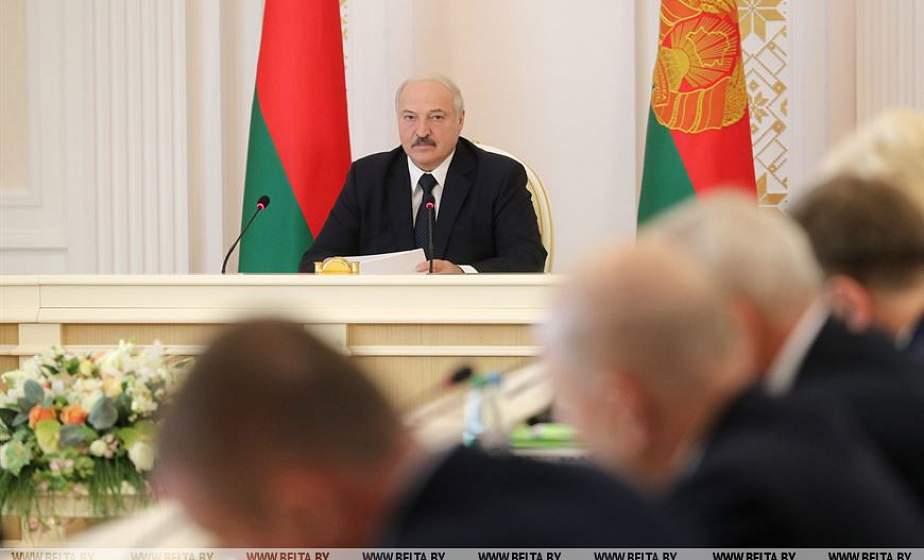 Тема недели: Президент провел совещание с руководством экономического блока Беларуси