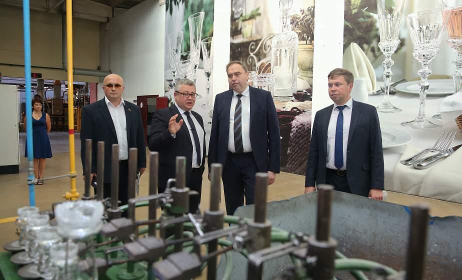 Искать точки роста, двигаться вперед. Председатель облисполкома Владимир Караник посетил с рабочим визитом Лидский район