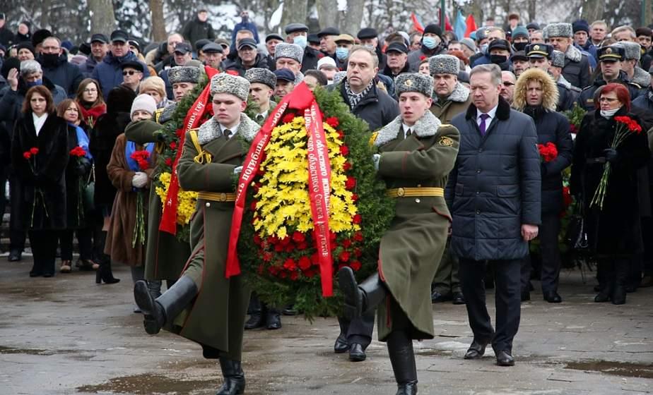 32 года спустя. Сотни жителей областного центра почтили память погибших воинов-интернационалистов на митинге-реквиеме в Гродно (+видео)