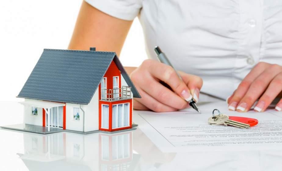 Банки сворачивают программы по жилищному кредитованию, но есть ипотека. Чем она отличается?