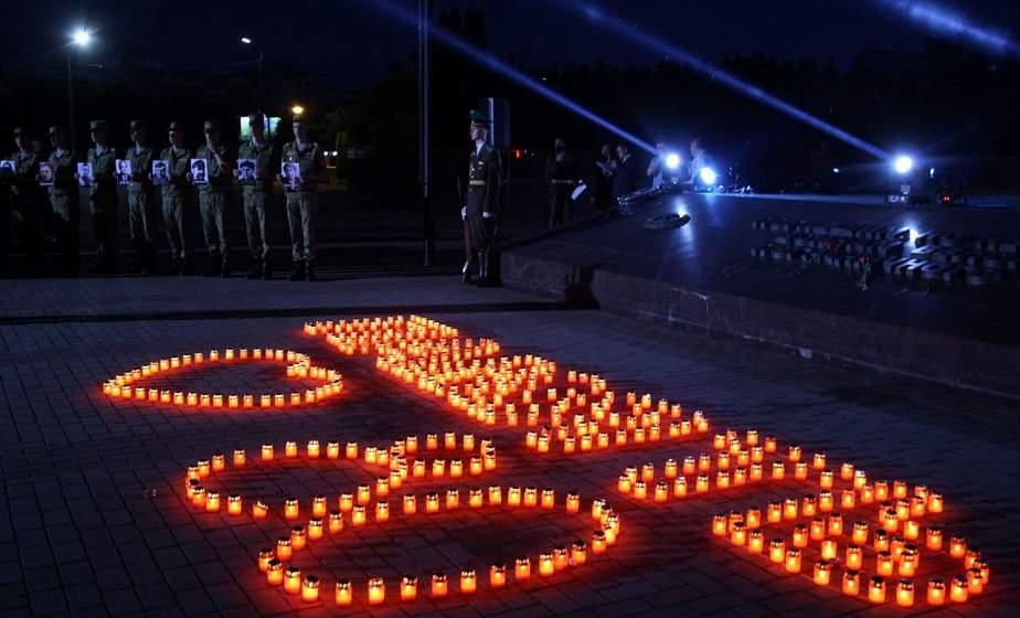 Мирный рассвет. В Гродно завершилась патриотическая эстафета передачи Вечного огня «80 лет скорби и памяти»
