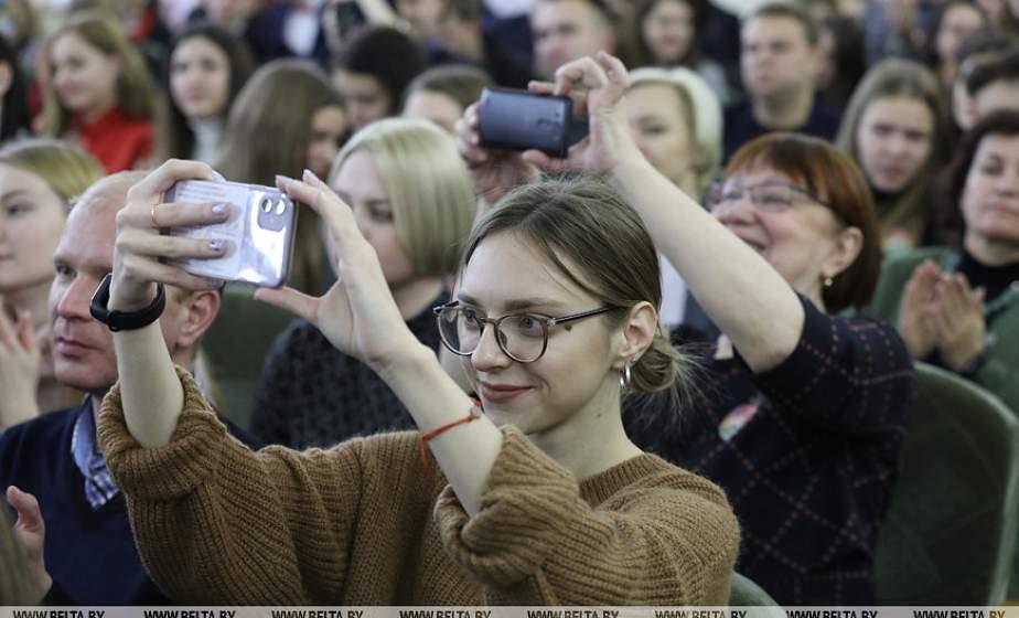 Игорь Карпенко: Через студенческие форумы молодежь может донести свое видение системы образования