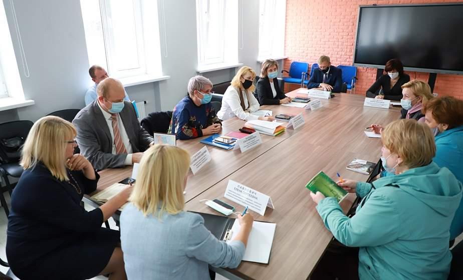 В Гродно провели Единый день приема предпринимателей. С какими вопросами обращались к специалистам гродненцы?