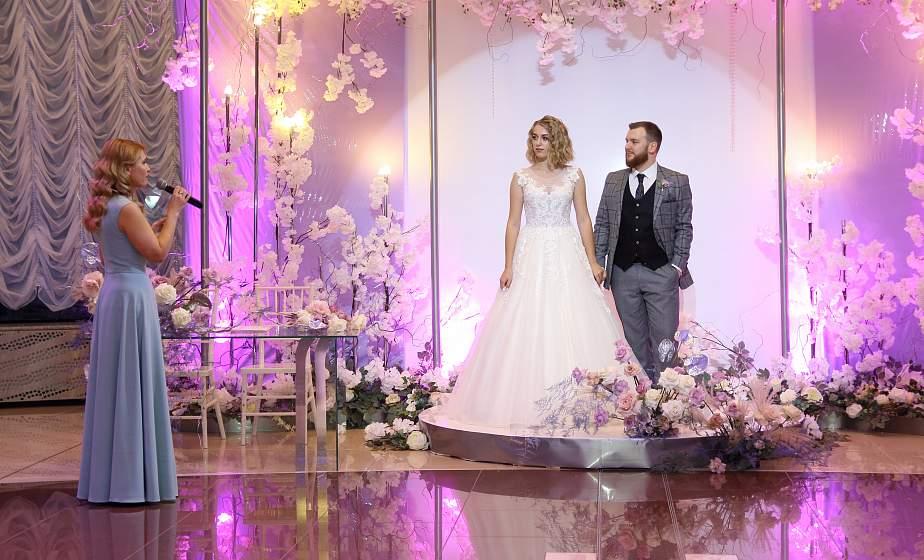 Свадьба в день Нового года, магические цифры и вера в любовь. Как стартовал новый свадебный сезон-2021 в Гродно