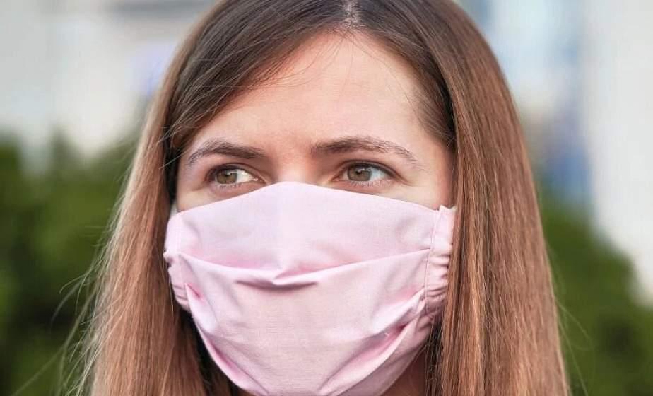Как правильно носить тканевую маску