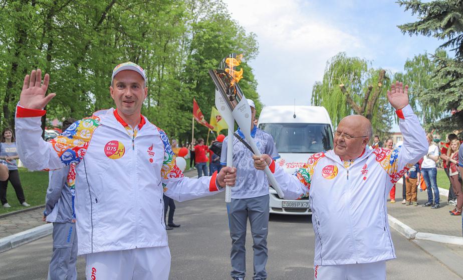 Василий Ревяко:«Вертелишки с гордостью вписали в свою историю встречу эстафеты «Пламя мира»(+видео)
