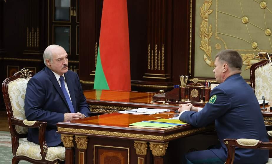 Александр Лукашенко обсудил с главой ГТК ситуацию на таможне и переориентацию белорусских грузов