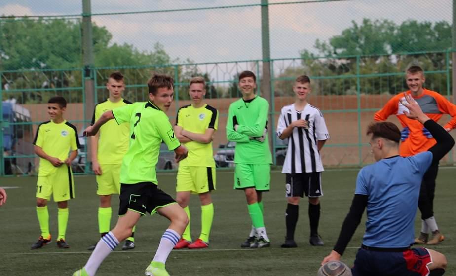 В Слониме проходит турнир по мини-футболу памяти Святого Иоанна Павла II
