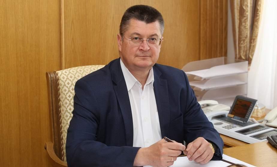Прямую телефонную линию с жителями региона провел управляющий делами облисполкома Иван Курман