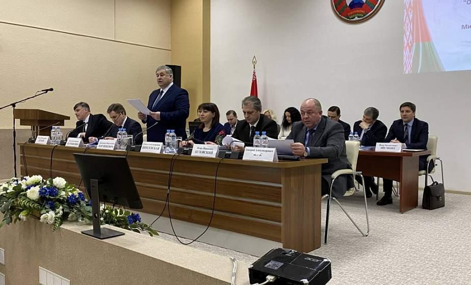 Рост продаж печатной прессы, новые книги и международное сотрудничество. В Министерстве информации Беларуси состоялась итоговая коллегия