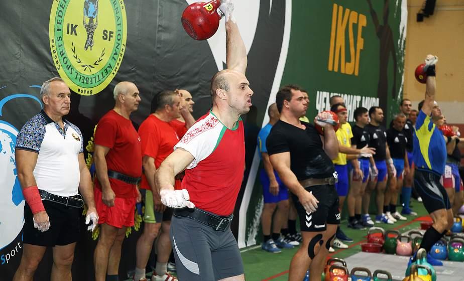 От Беларуси до Конго и Японии. Как в Гродно проходит чемпионат и кубок мира по гиревому спорту