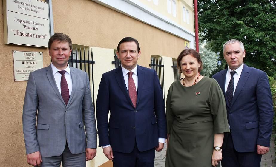 Министр информации Республики Беларусь Владимир Перцов посетил районные СМИ Лидчины