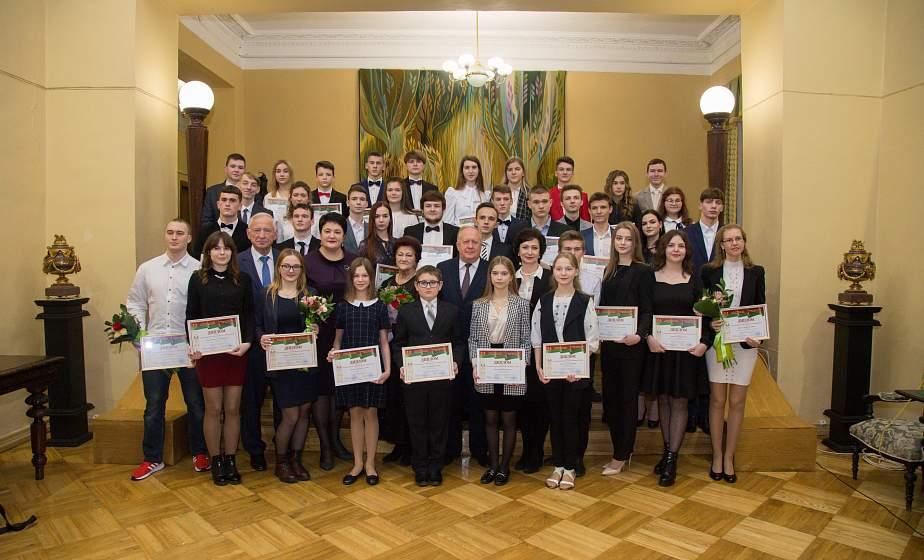 В Гродно назвали имена лауреатов премии имени Александра Дубко в сфере образования