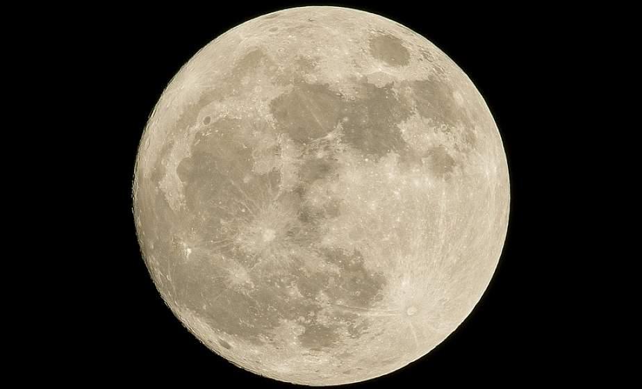 NASA будет искать воду на Луне в 2023 году
